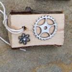 gears-with-gem-daisy